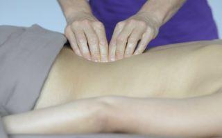 Показания и виды массажа поясницы при болях и для профилактики