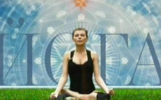 Йога для нее с Кариной Харчинской — это способ выразить себя