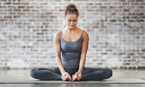 Как раскрывать тазобедренные суставы с помощью Йоги