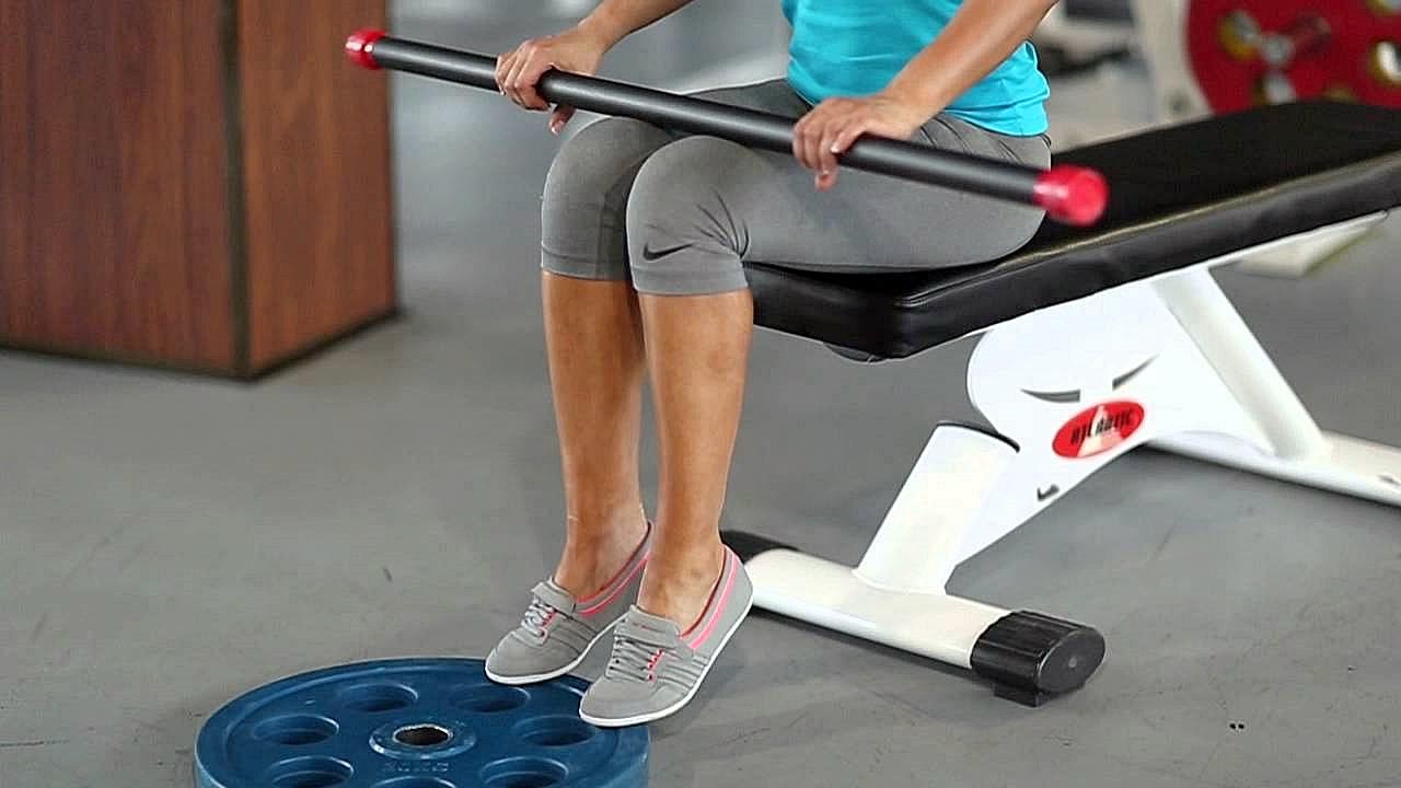 Упражнение для икр: подъем на носки сидя