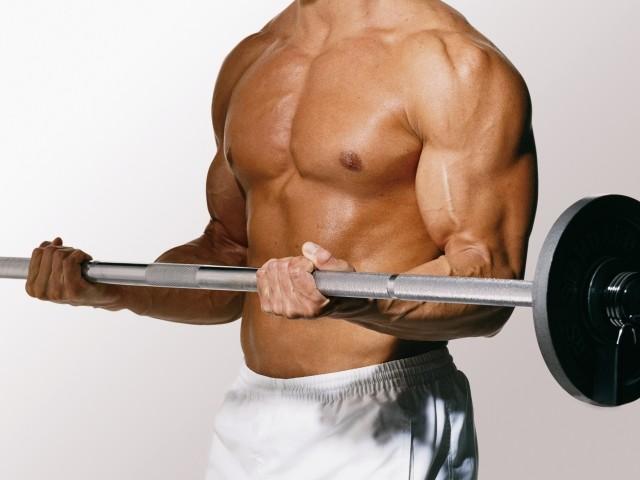 nakachennyj-biceps-shtanga