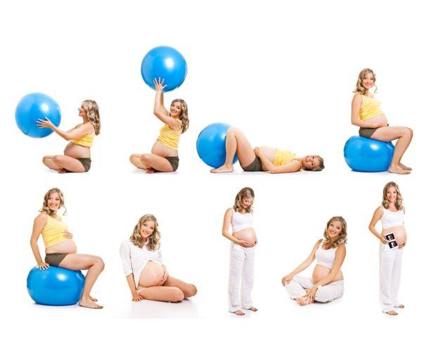 Беременные занимаются гимнастикой с мячом
