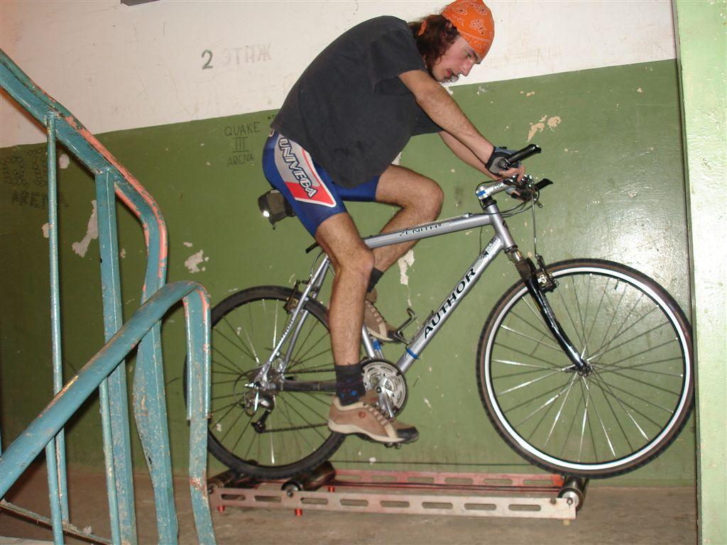 Велотренажер своими руками фото из велосипеда