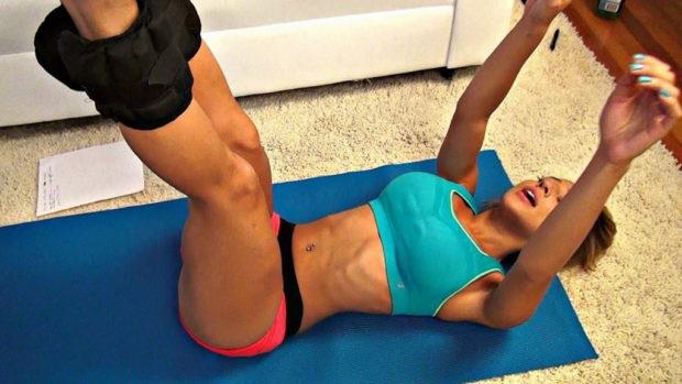 Упражнения с утяжелителями на ногах