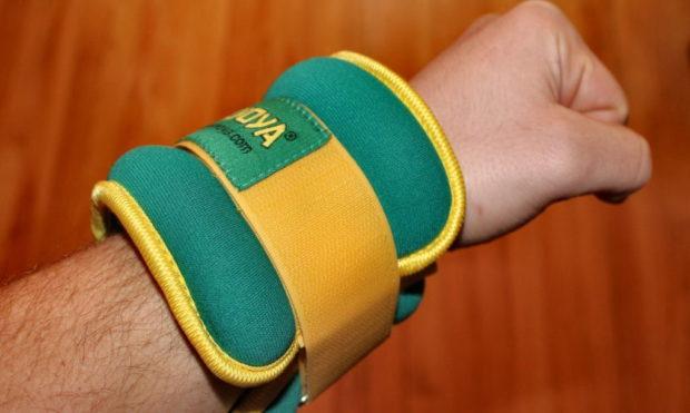 Готовый утяжеляющий браслет для рук