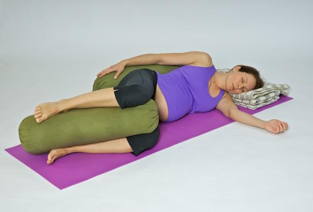 Позы для расслабления спины у беременных 31