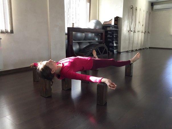 Шавасана для опытных практиков - на кирпичах