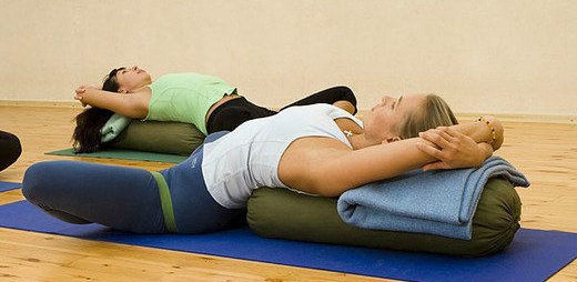Йога - эффективные занятия от сколиоза