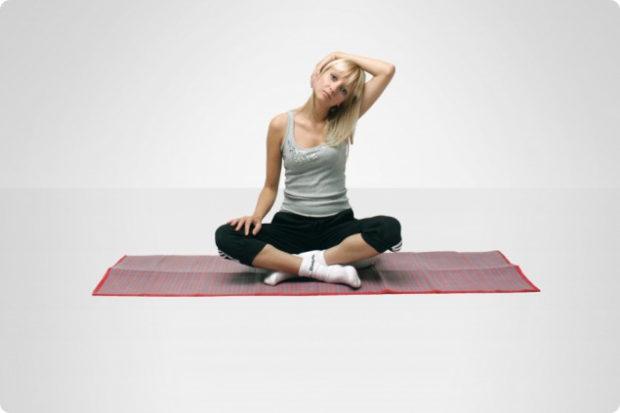 Растяжки мышц шеи в йоге