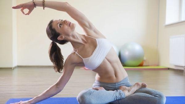 Чтобы получить плоский живот, тренировки надо проводить правильно