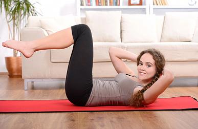 Позиция йоги «неподвижный пресс»