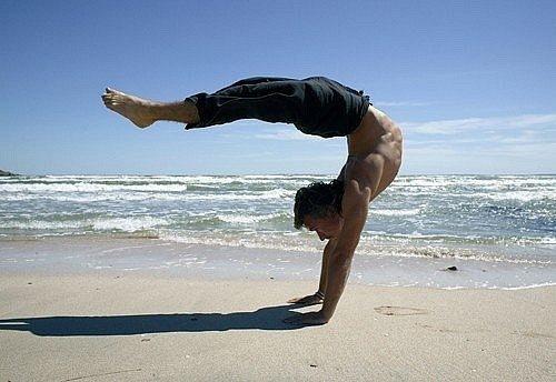 Силовая йога делает тело и дух сильным