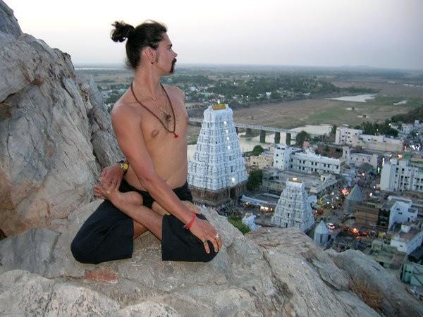 Илья Журавлев обучался в Индии
