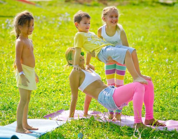 Йога для детей - веселое развлечение