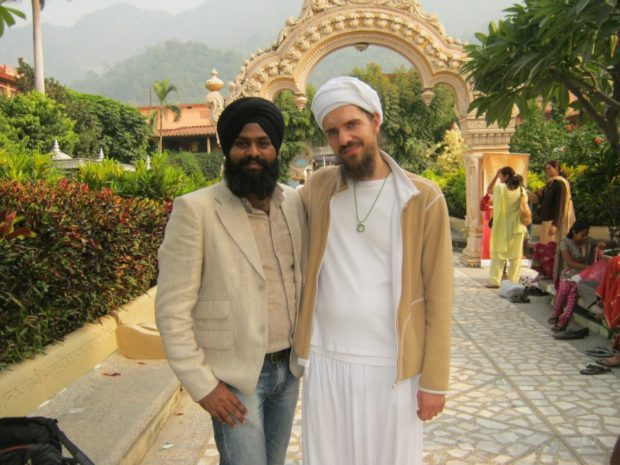 Меркулов в Индии с учителем йоги