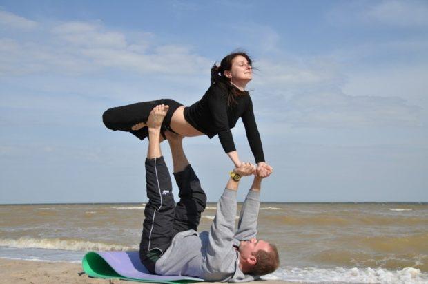 Парная йога сближает