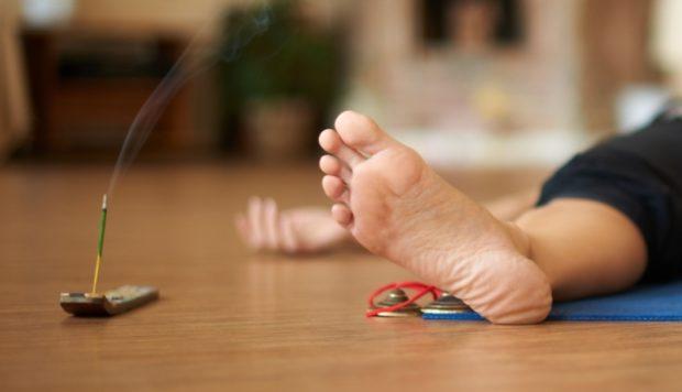 Ароматы для йога нидра помогуют расслабиться