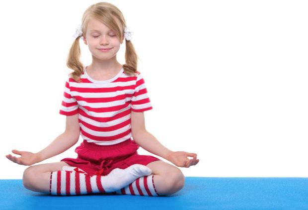 Йога благотворно влияет на здоровье детей