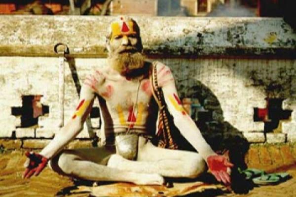 Адепт хатха йоги в Индии