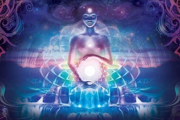 Практика Чандра Намаскар усиливает энергии