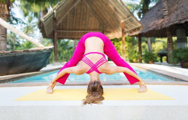 Прасарита Падатанасана в йоге
