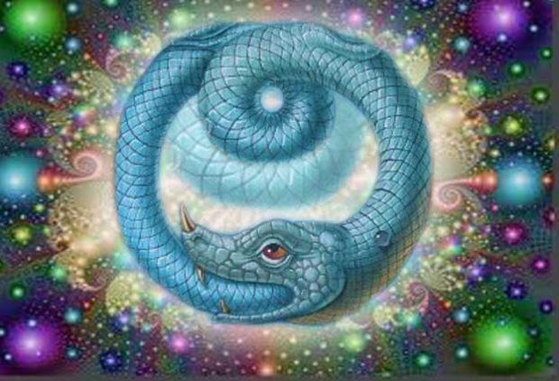 Символ кундалини - змея. кусающая себя на хвост