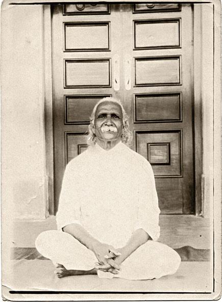 Свами Кувалайянанда - учитель наули