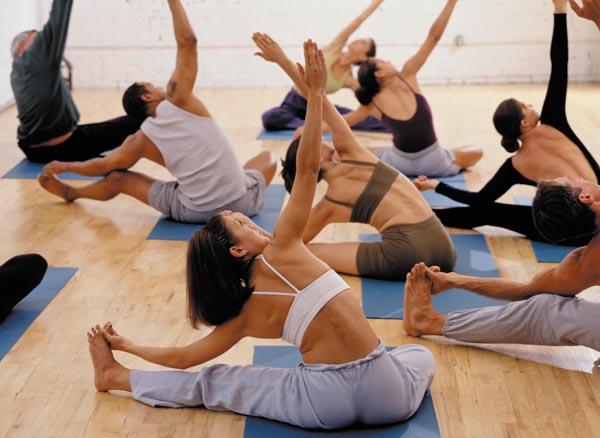 Занятия по хатха йоге с инструктором