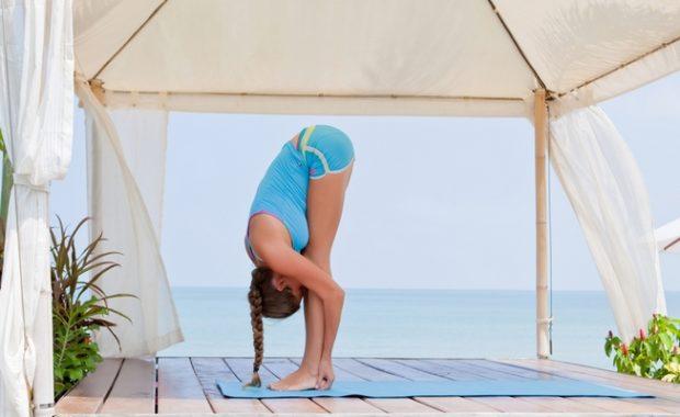 Наклоны вперед—Уттанасана в йоге