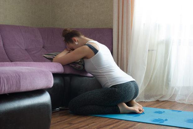 Позиция для дыхательных упражнений при месячных