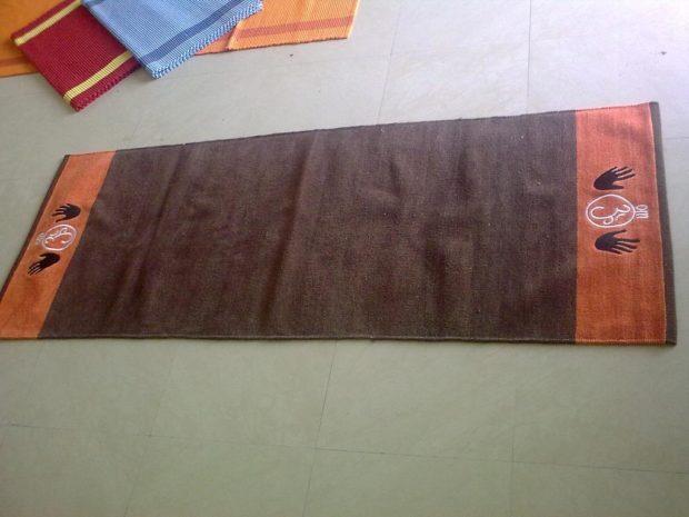 Самодельный коврик из махровой простыни