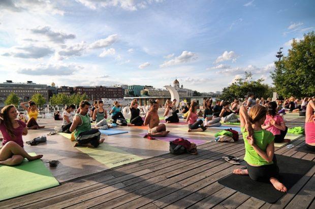 Интегральная йога в Москве на террасе