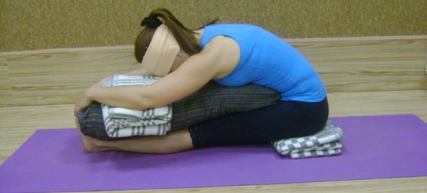 Пасчимотасана помогает при мигренях