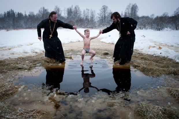Православное крещение зимой