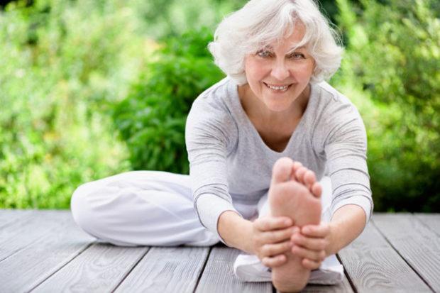 Гормональная йога для пожилых женщин