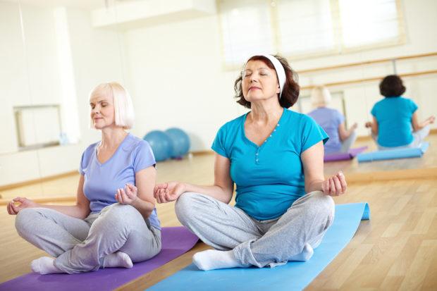 Гормональная йога доступная в возрасте