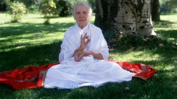 Женщина-йог Индра Деви