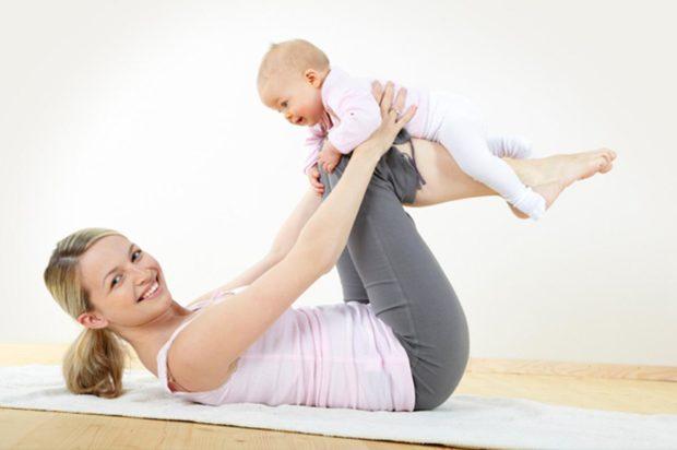 Покачивания на ногах с малышом