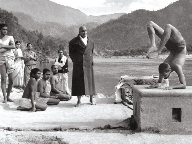 Свами Шивананда с учениками