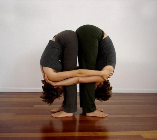 Наклоны вперед в парной йоге