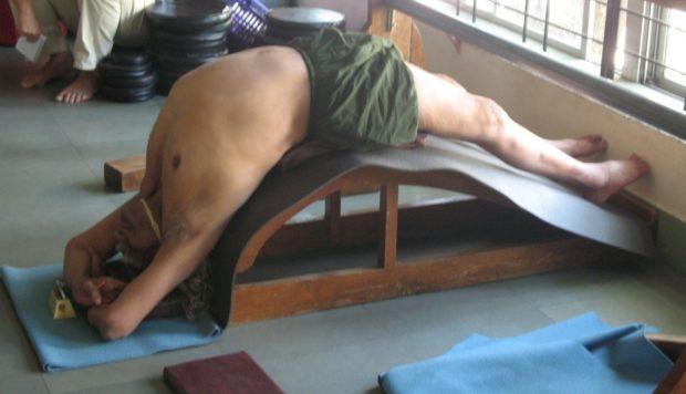 Йога на скамье