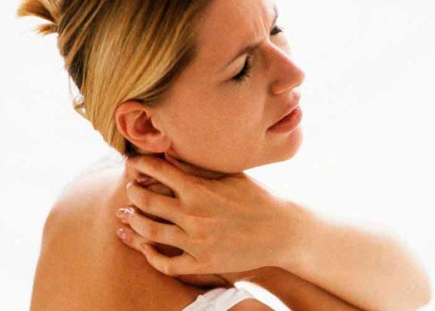 Боли при шейном остеохондрозе