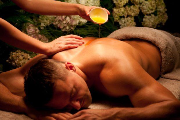 Тантрический массаж в маслом