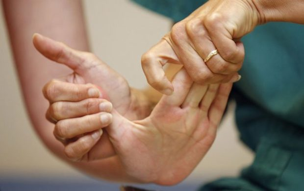 массаж пальцев