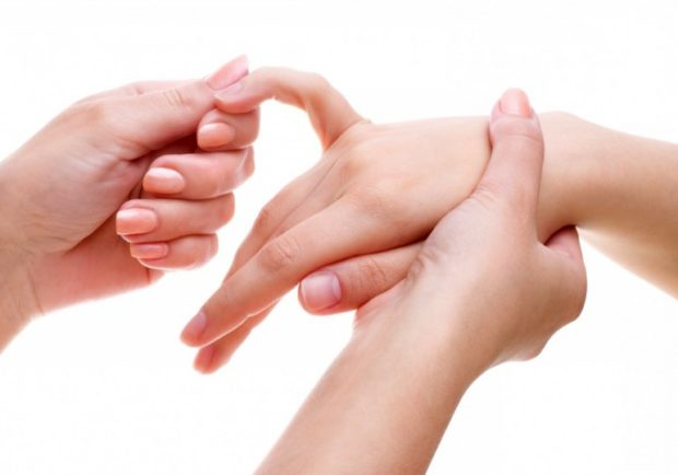 Массаж рук точечный