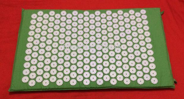 Массажный коврик с иглами