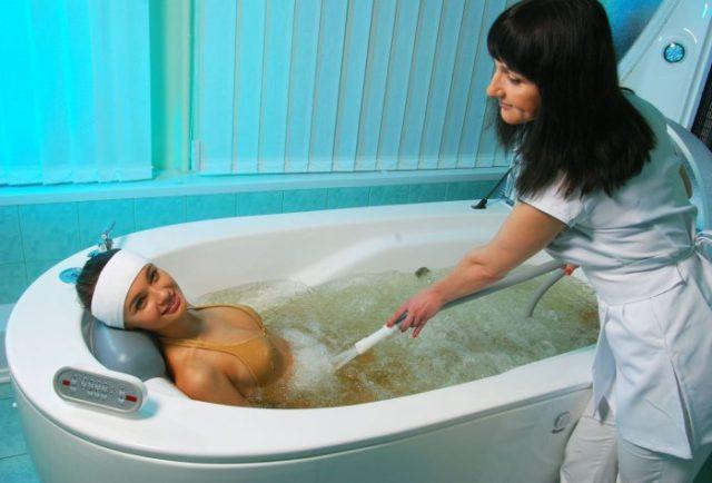 Водный массаж живота