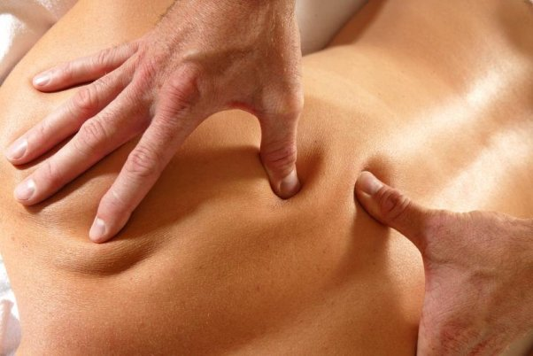 Глубокая проработка тканей в шведском массаже