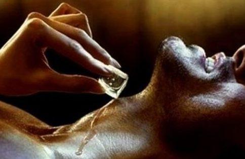 Эротический массаж со льдом