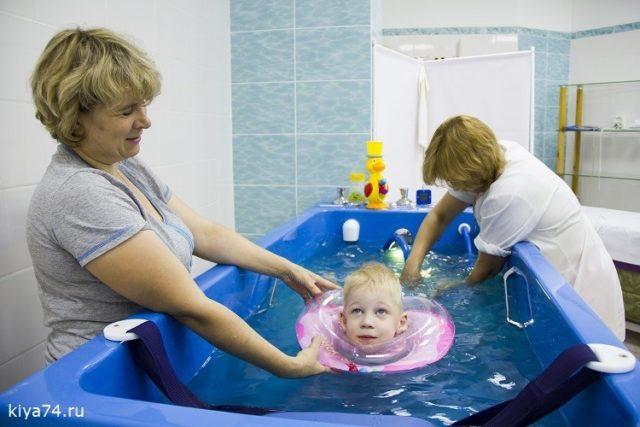 Подводный душ-массаж детям
